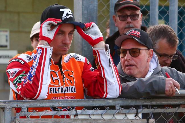 Swindon Robins team manager Alun Rossiter and rider Troy Batchelor will be looking to take a  big towards the SGB Premiership Supporters' Cup final tonight