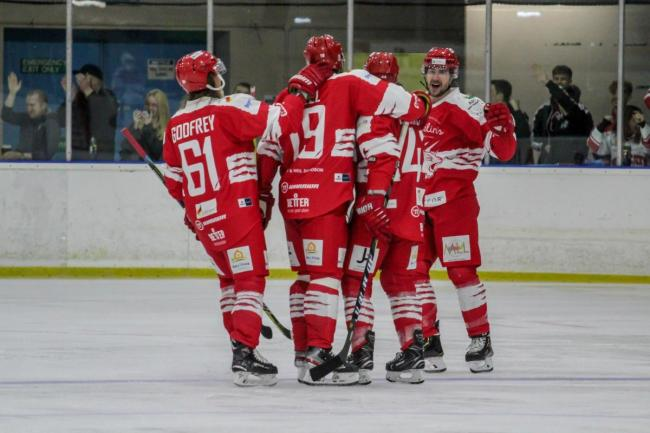 ICE HOCKEY: Swindon lose 'battle of the cats' against Telford