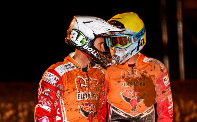 Jason Doyle and Troy Batchelor talk tactics during Swindon Robins' 49-39 win at Wolverhampton Wolves. PICTURE: LES AUBREY