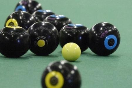 BOWLS: Westlecot feel right at home against Manor