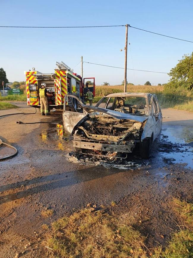 Devizes fire fighters put out car fire
