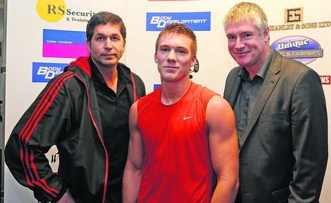 Nick Blackwell (centre) with trainer Mark Kent (left) and manager PJ Rowson