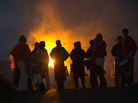 This Is Wiltshire: Hundreds join in twilight lantern procession at White Horse