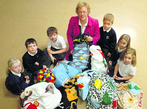 This Is Wiltshire: Bags of fun as All Cannings pupils get story sacks