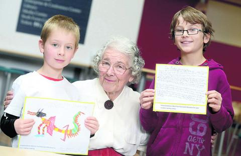 Judith Kerr with competition winners Atticus Henderson and Alex Deadman
