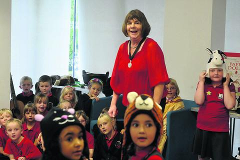 This Is Wiltshire: Fun at Trowbridge Library with Children's Laureate Julia Donaldson and pupils from Bellefield Primary School