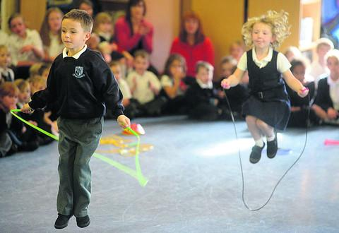 kippy John teaches Bishops Cannings school pupils skipping skills
