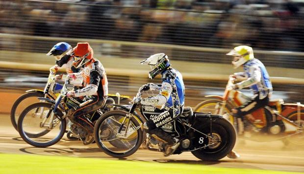 This Is Wiltshire: Action from Swindon versus Poole last night