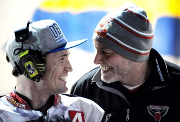 Swindon's Jason Doyle with Robins boss Alun Rossiter