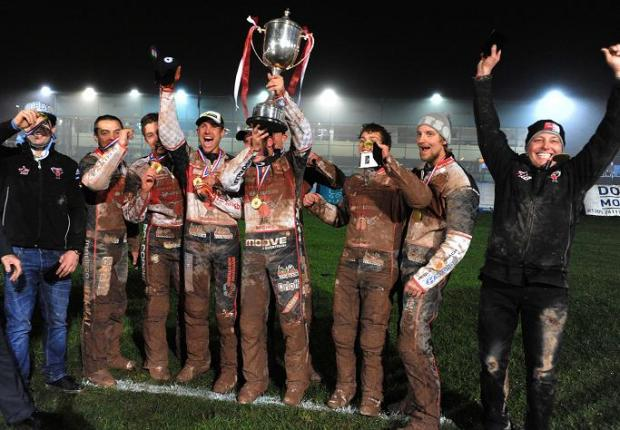 This Is Wiltshire: Swindon's riders celebrate winning the Elite League title