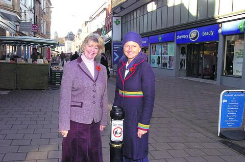 Councillors Sue Evans and Laura Mayes celebrate The Brittox finally being bin-free