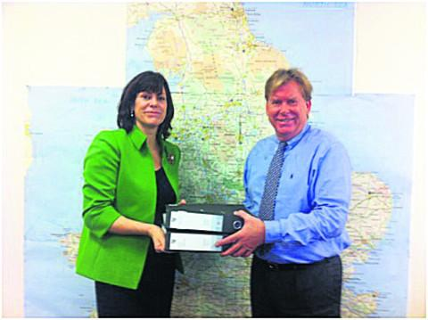 Claire Perry MP presents evidence to the Minister for Rail Simon Burns