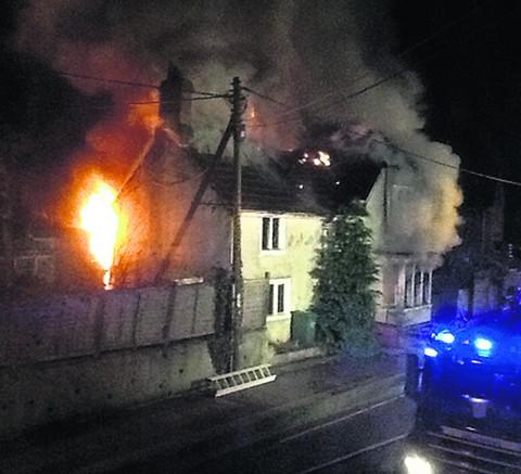 This Is Wiltshire: The fire at London Road, Chippenham