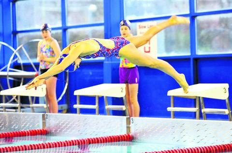 This Is Wiltshire: Team splashes out on swimming lessons for kids