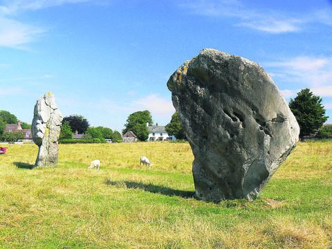 This Is Wiltshire: Avebury stone Way hits stumbling block