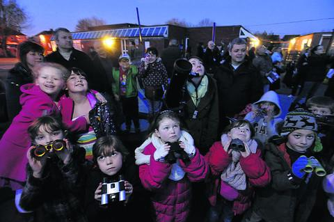Holbrook Primary School pupils and parents joined local astronomy enthusiasts for an evening of stargazing on Tuesday