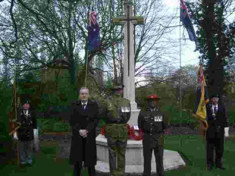 This Is Wiltshire: Warminster bronze ANZAC statue 'on cards'