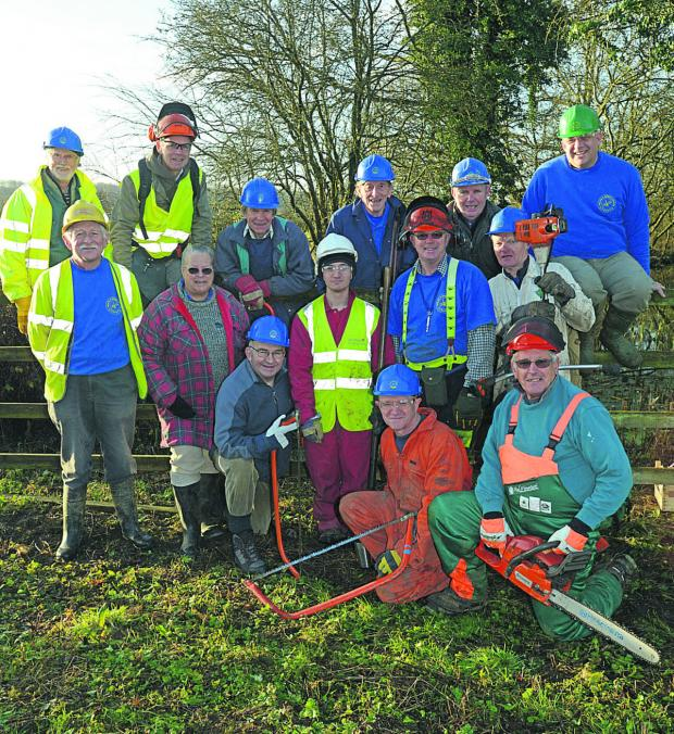 This Is Wiltshire: Wilts & Berks Canal volunteers at Pewsham