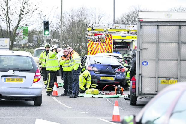 This Is Wiltshire: The crash on on the M4 J15/A419 roundabout