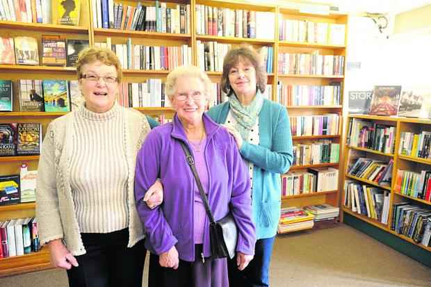 This Is Wiltshire: Christine Ellis, June Pike and Jenny Smithers are retiring from The White Horse Bookshop after a total of 91 years           (dv1162) By diane vose