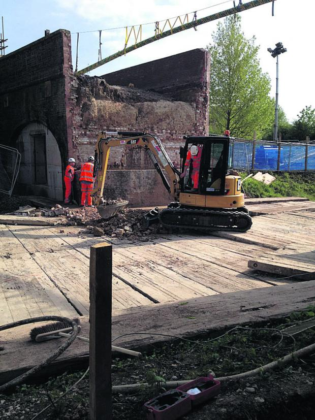 This Is Wiltshire: Building work at Dauntsey Lock bridge