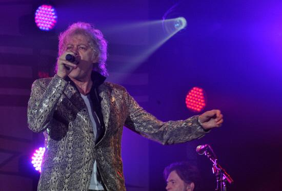 This Is Wiltshire: Sir Bob Geldof leads the Boomtown Rats as they headline the Concert at the Kings