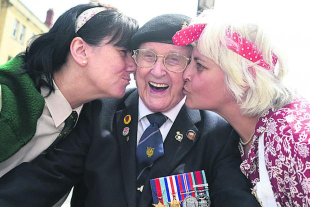 This Is Wiltshire: D-Day veteran Clifford Jones meets Lisa Grimshaw and Julie Shore