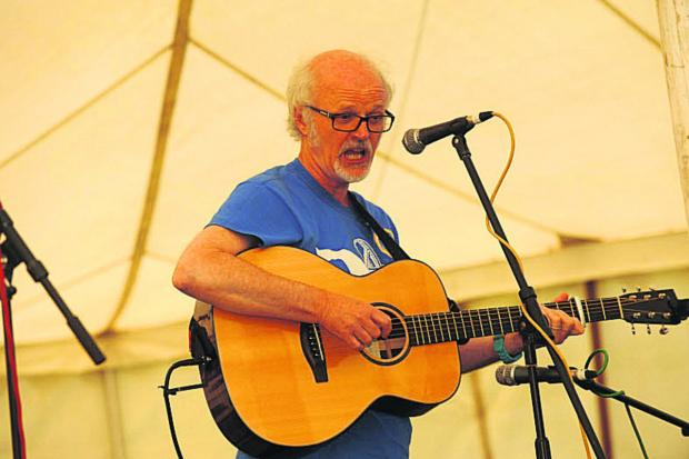 This Is Wiltshire: 'Woody' sings blues and folk songs in the acoustic section