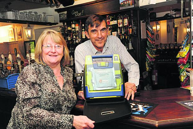 This Is Wiltshire: Round of applause for Southwick inn's defibrillator