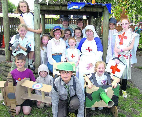 This Is Wiltshire: Sports day 1914 for Sue Hulford, Barbara Moule and the pupils