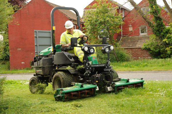 This Is Wiltshire: Balfour Beatty promises to get mowing in Trowbridge
