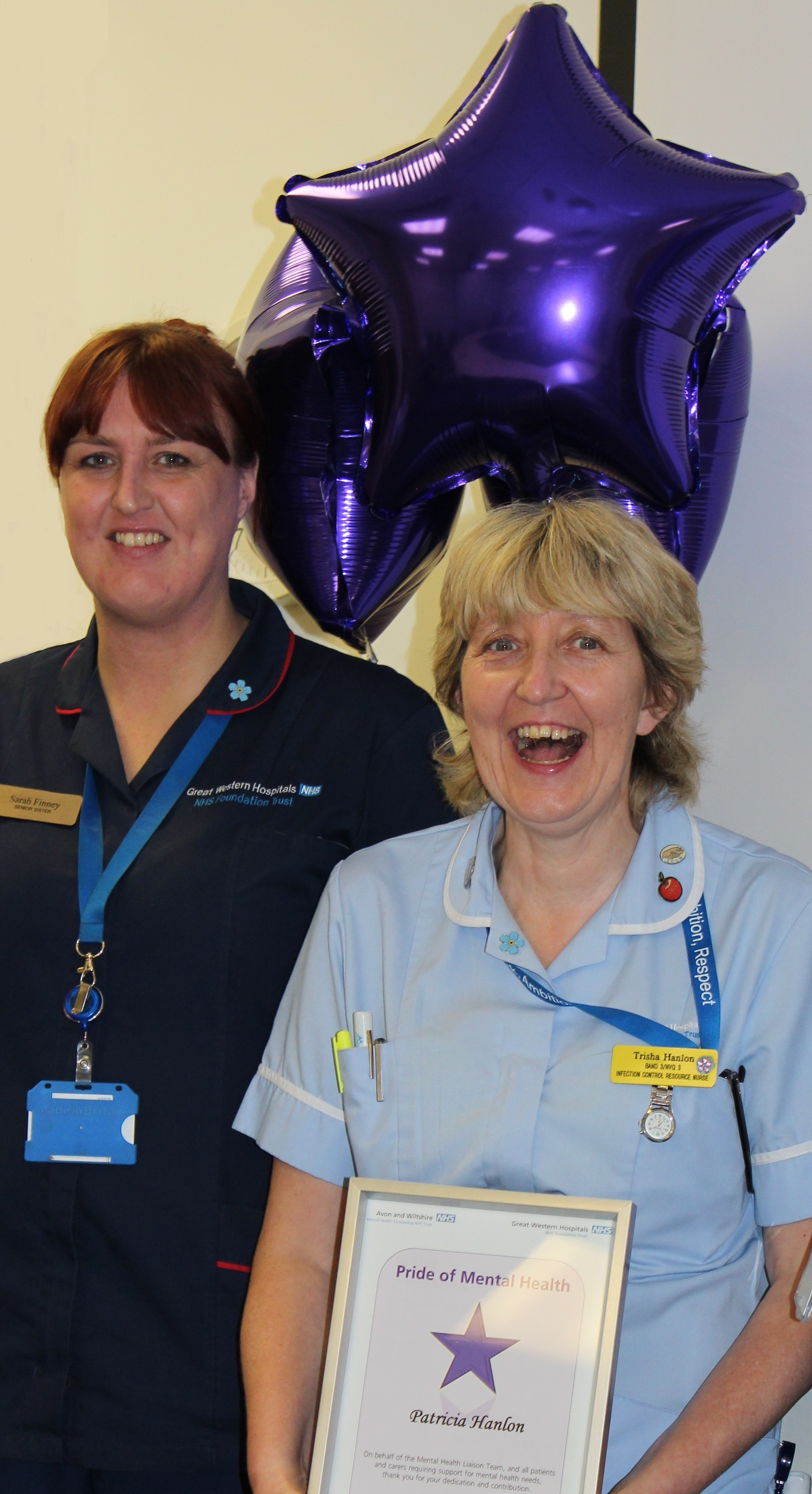 ... This Is Wiltshire: Ward manager Sarah Finney and nursing auxilliary Patricia Hanlon with her award - 3770947