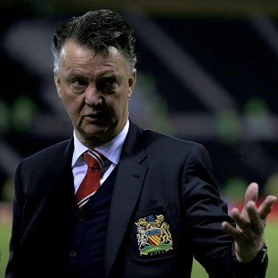 Louis van Gaal 'doesn't believe' reports linking Mourinho with Manchester United