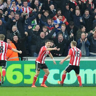 Southampton move into Premier League's top six with win at Swansea