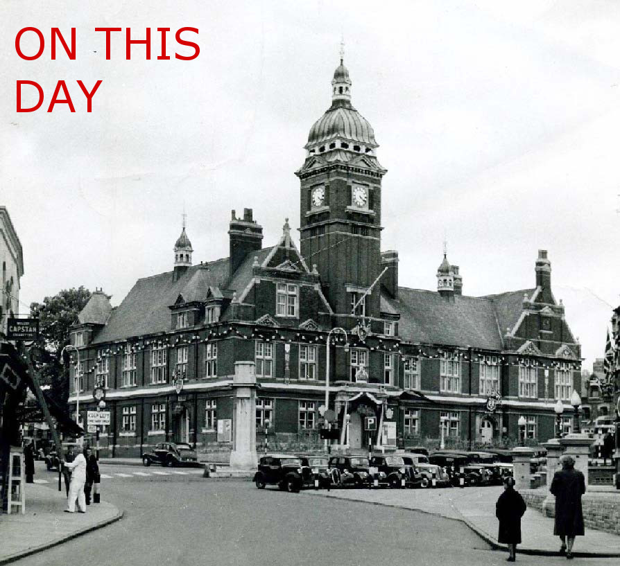 Picture supplied by Swindon Central Library The Town Hall, Swindon during the 1950s