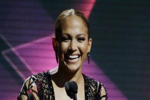 Jennifer Lopez's eyecatching outfits make an impact at awards ceremony