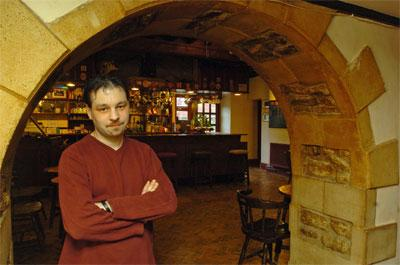 This Is Wiltshire: New landlord Darren Taylor has taken over The George at Woolley 					     (37374/1)