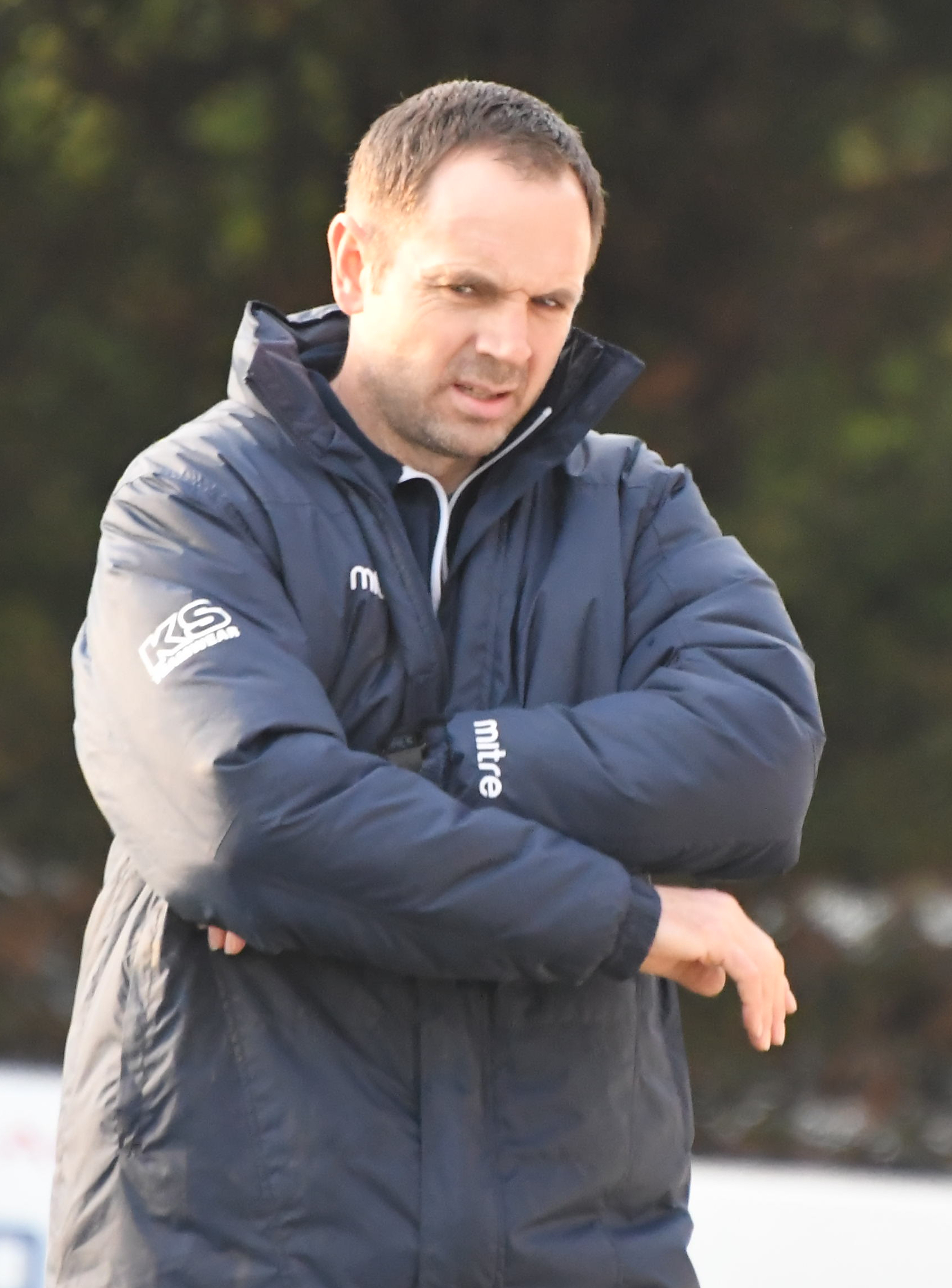 Swindon Supermarine manager Lee Spalding is eyeing victory over Beaconsfield Town