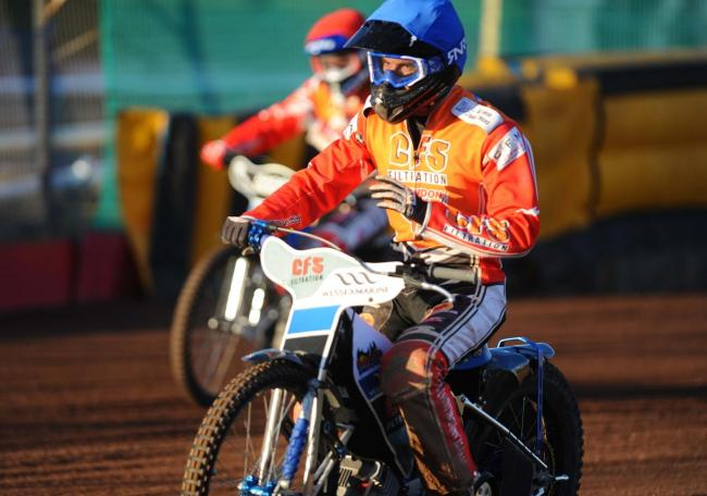 Adam Ellis returns to Ipswich Witches with Swindon Robins this evening, having ridden for the Suffolk side in the 2013 and 2014 seasons